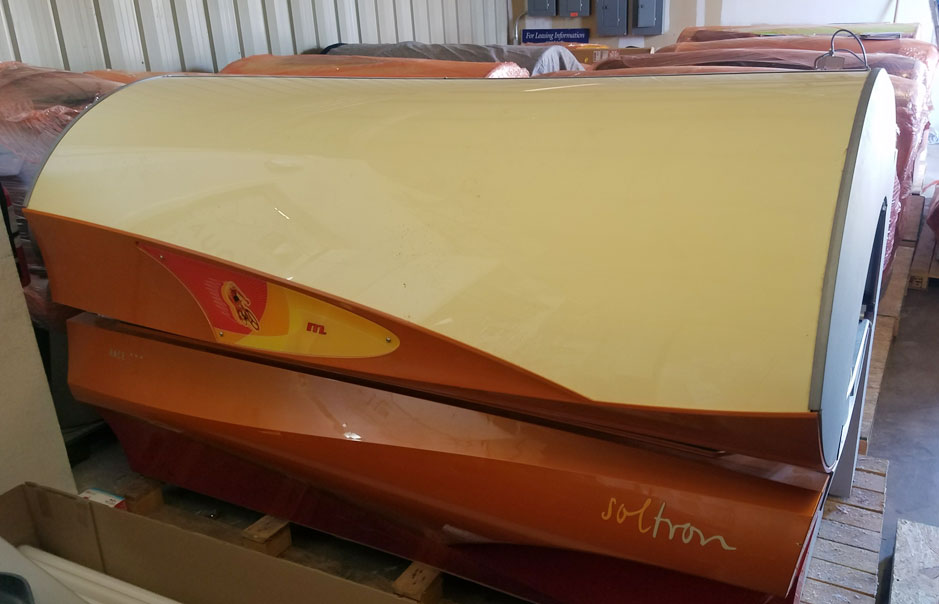Soltron Race Tanning Bed